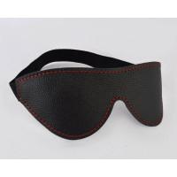 Черная маска с декоративной строчкой на резинке